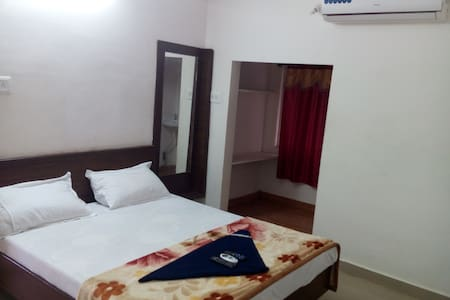 Beach View Guest House-delux1 - Vishakhapatnam