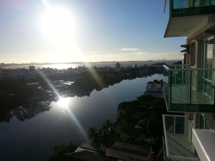 Vista do mar e canal de Vitória