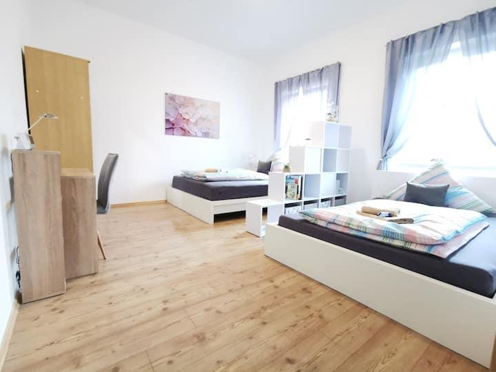 Ruhige Wohnung 50 m² in Bahnhofsnähe ★NETFLIX+TV★