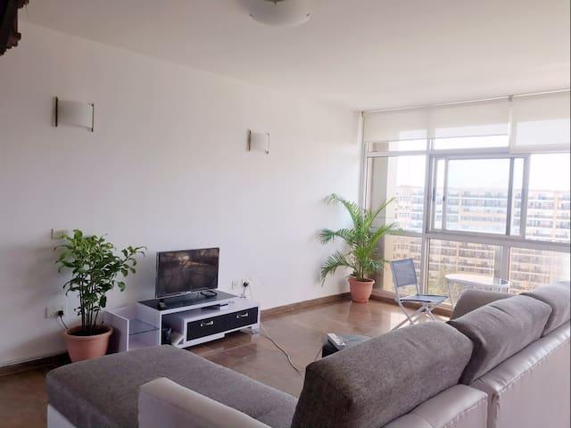 维多利亚岛1004公寓高层独立房间24小时供电,安全,位于市中心