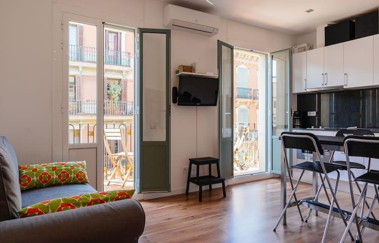 Nice apartment in Gracia