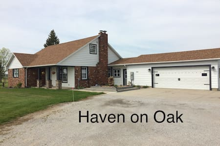 Haven on Oak II - 2000 Sq Ft Home - Sleeps 10
