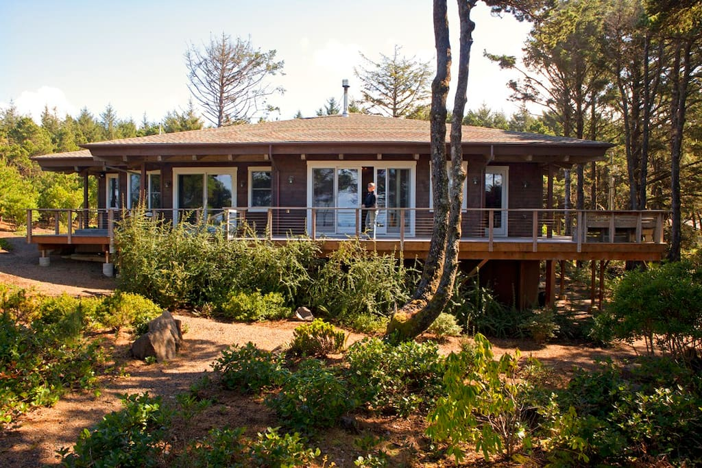 Wrap Around back deck perfect for whale watching