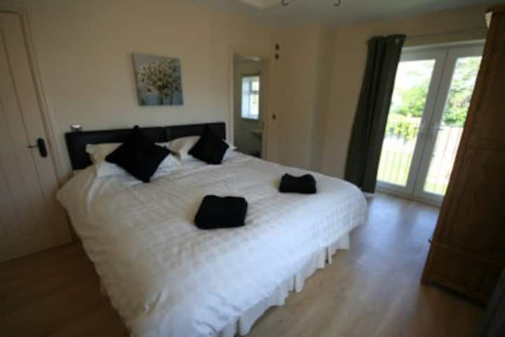 Oxwich View Cottage 5* luxury fisherman's cottage