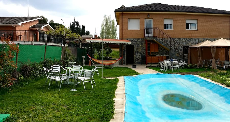 Holiday House 40km from Madrid - Calalberche - Chatka w górach