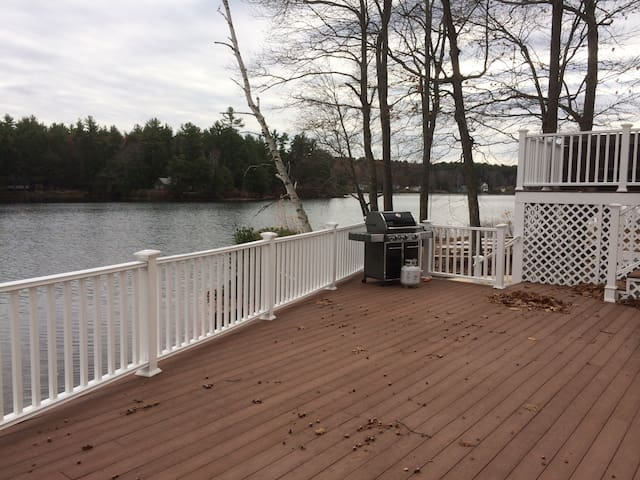 Newly renovated house on the Lake! - Barrington - Dom