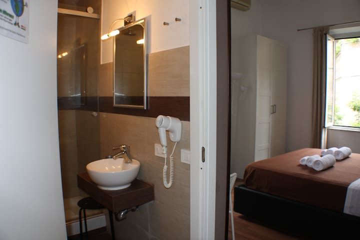 ROMA VATICAN DOUBLE ROOM ROMA - Roma - Bed & Breakfast