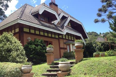 Casa aconchegante próxima do centro de Capivari.