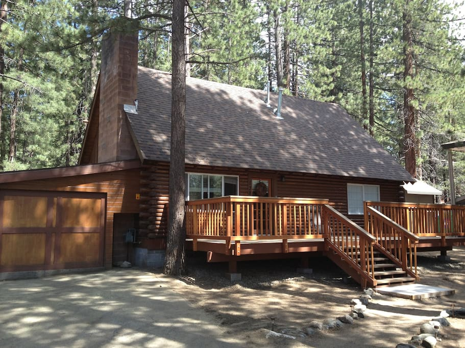 Relaxing cabin 4 br close to lake cottages for rent in for Rent a cabin in lake tahoe ca