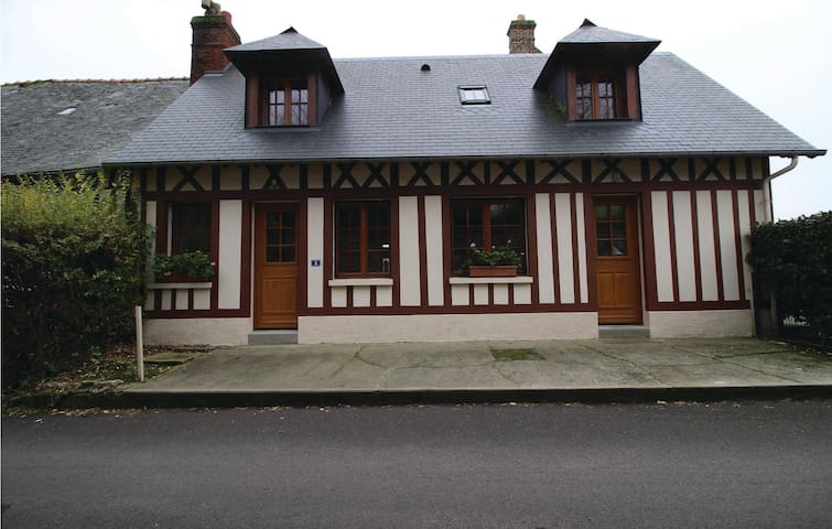Semi-Detached with 2 bedrooms on 75 m² in Le Bourg-Dun