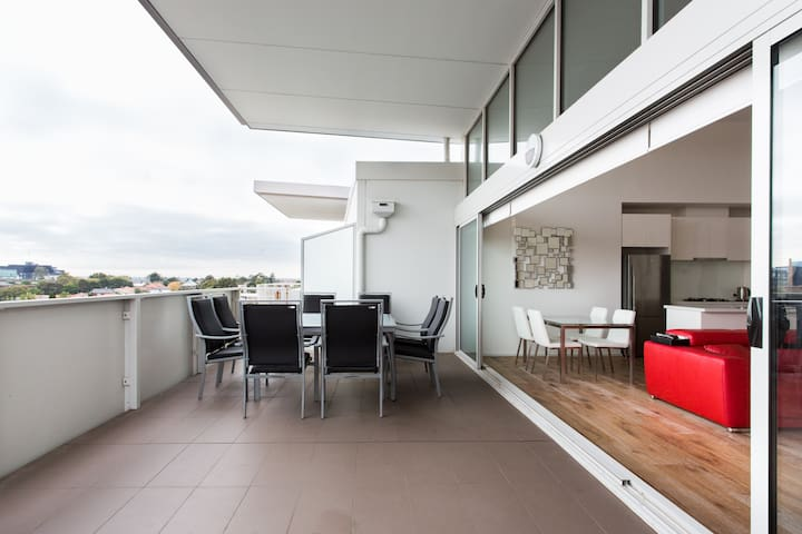 Preston Modern Penthouse Apartment
