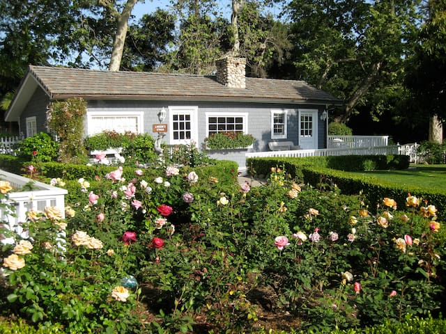 Charming English Country Cottage - Montecito - Σπίτι