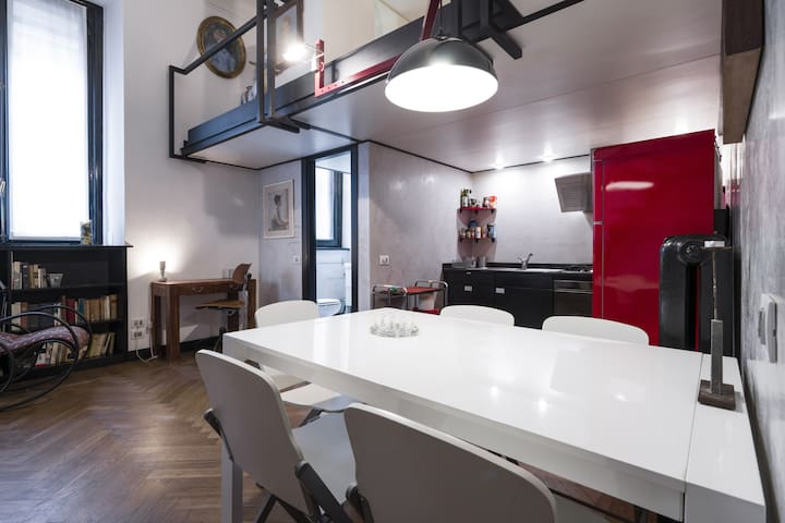 Flat in the historical center of Milan!