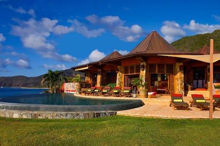 5 bd, beachfront, reefs, views - Spanish Town - Villa