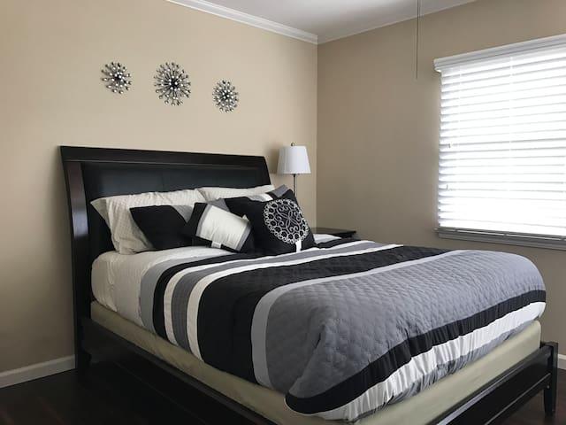 Garden Retreat - Beds for 24