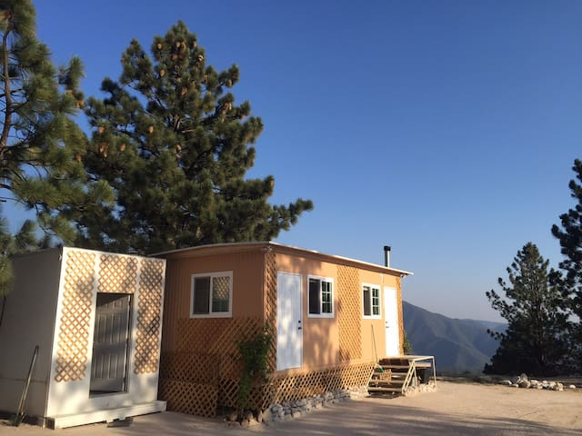 Remote Exotic Oasis - Near Big Bear - The Pyramid Center - Cabana