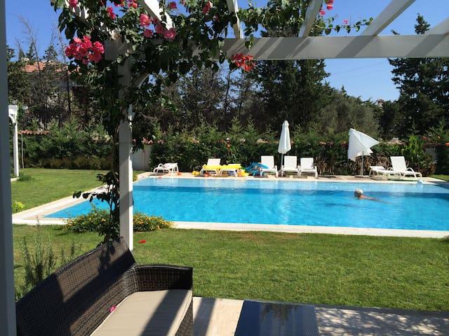 ALACATI CUMBALA EVLERI - İzmir - อพาร์ทเมนท์