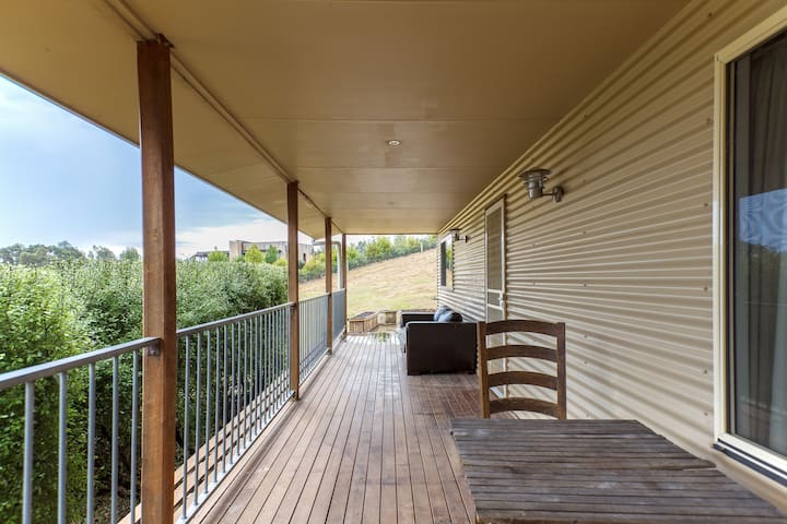 Charming 2 Bedroom Cottage - Beechworth - Cabin