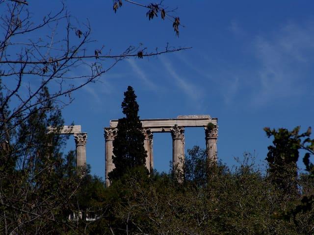 KONNET ΑPP OLYMPIAN ZEUS HOUSES 1 - Athens