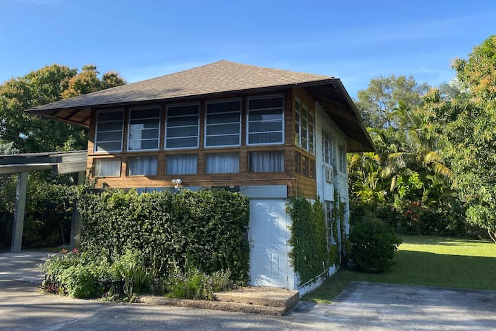 Spacious, Charming Carriage House in Coconut Grove