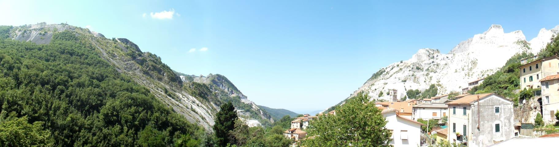 Nel cuore delle Alpi  Apuane - Colonnata - Leilighet