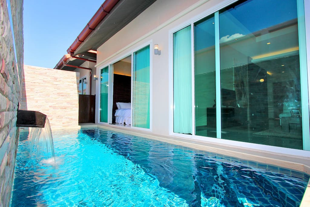 3x6 meters private pool with jacuzzi jet.