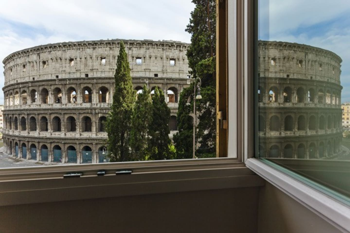 the wiev from one of the four window  - Home Holiday Colosseo