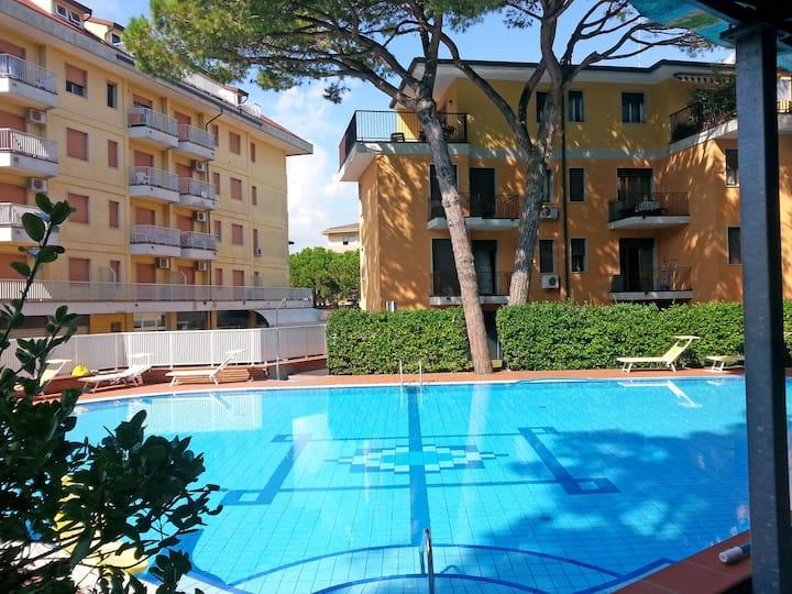 condominio La Rustica con piscina 3 persone