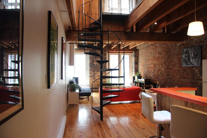 Beautiful loft in Old Montreal - Montreal - Pis