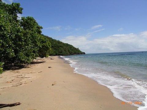 2 BR guest house, close to beach