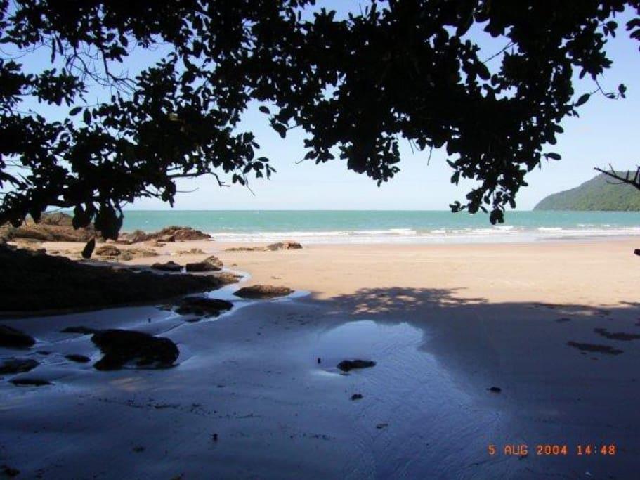 Etty Bay