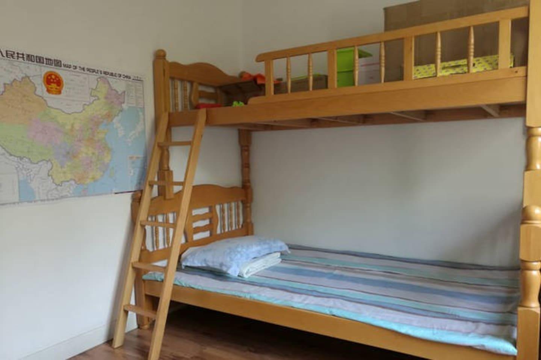 温馨小孩房1.2m床