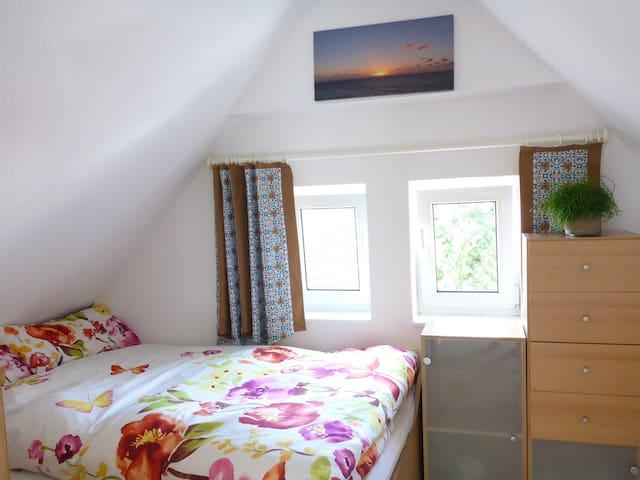 Zimmer mit Doppelbett-Koje