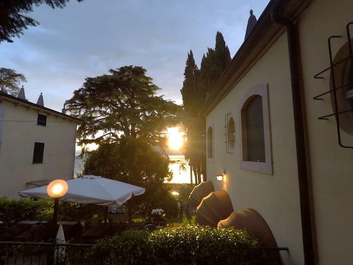 Villa CorteOlivo stanza Oleandro