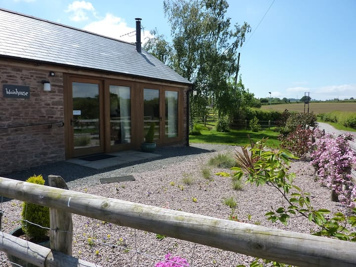 4 Star Cosy Barn Conversion at Trippenkennet