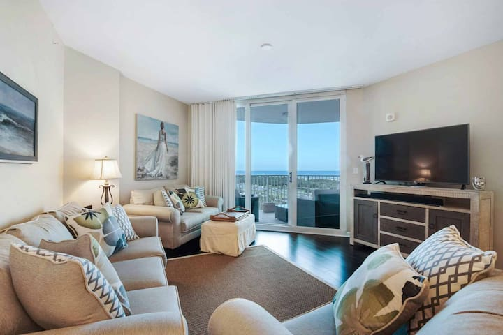 GULF & POOL VIEWS FROM THIS GORGEOUS 9TH FLOOR UNIT AT THE  PALMS OF DESTIN  FREE WIFI AND FUN PASS