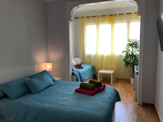 Beautiful and bright room for 3 people
