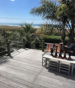 Modern stylish home on the beach - Opotiki