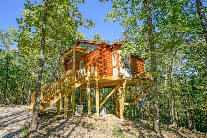 Mountain Air Treehouse