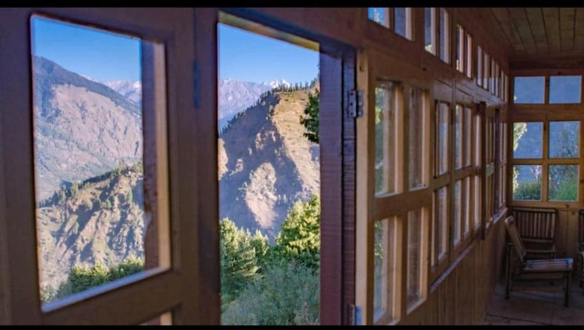 Apple Farm Stay With A Breathtaking view