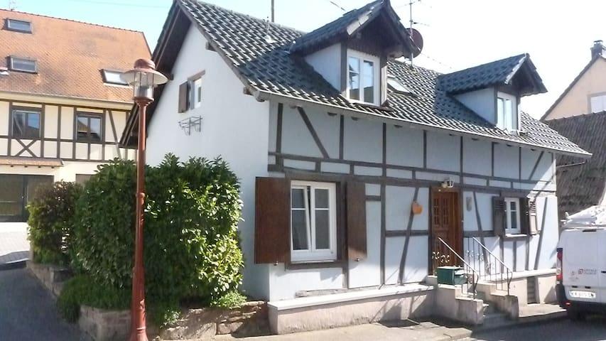 La Maison Bleue Strasbourg campagne - Truchtersheim - House