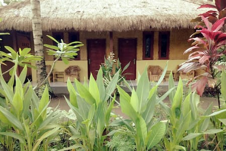 Private Bungalow in Coconut Garden near the Beach - House