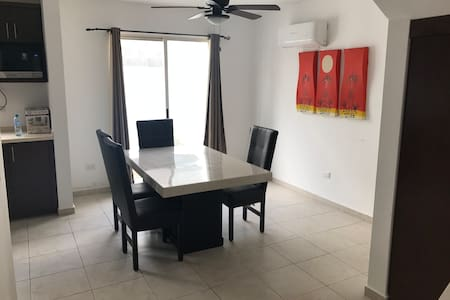 3 Bedroom House (5 minutes from Monterrey Airport)