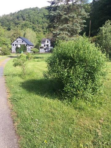 Wohntrailer an Mühle (G)  in 56370 Attenhausen