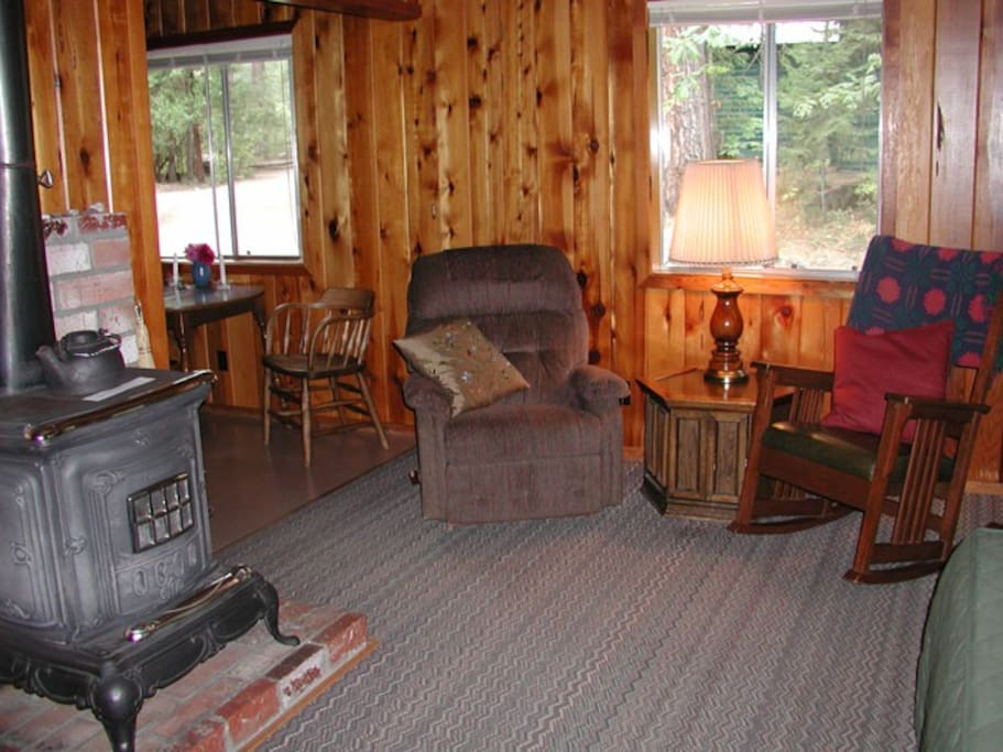 Remington Cabin Cottages For Rent In Trinity Center