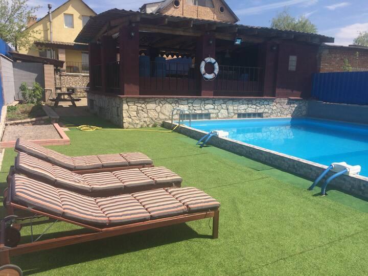 Дом с бассейном в Царевщине Самара