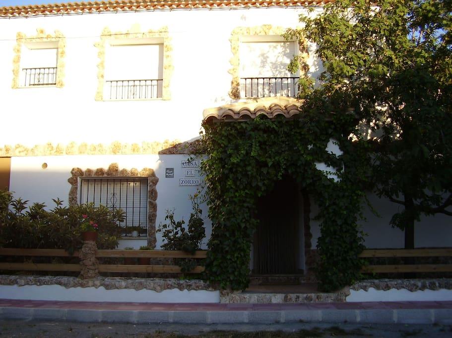 Fachada casa 8 plazas