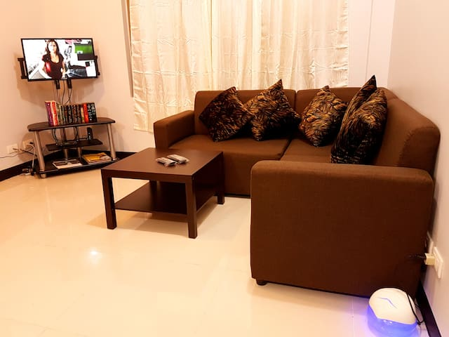 Simple yet attractive furnished condo in Cubao - Quezon City - Kondominium