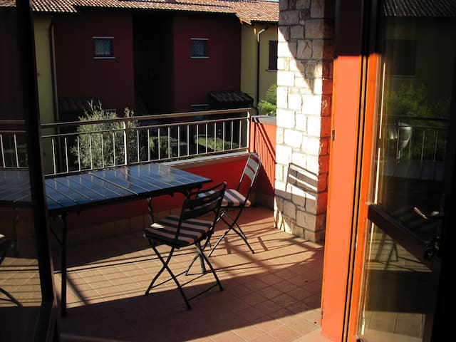 Sunny apartment in Desenzano del Garda - Desenzano del Garda - Apartment