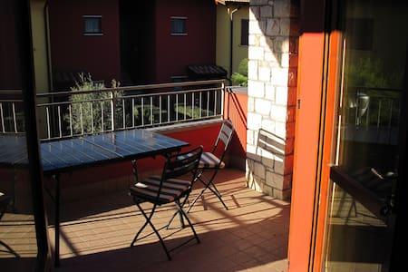 Sunny apartment in Desenzano del Garda - Desenzano del Garda - Apartamento